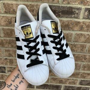Adidas Girls Black/White Superstar Sneaker Size 4
